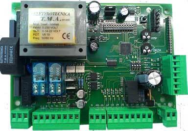AUTUN5 - Centralina di comando 230Vac per automazioni ad anta battente, scorrevole e basculanti con regolazione amperometrica