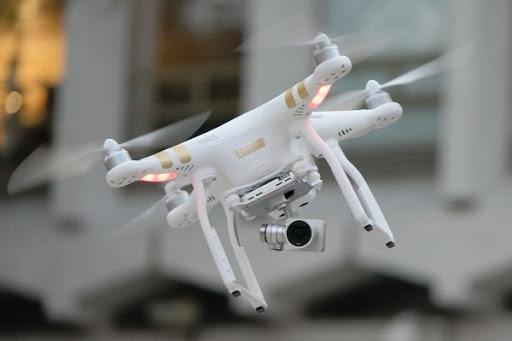 Singapore richiede la registrazione dei droni 1